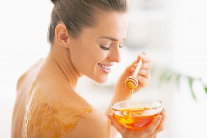 The Beauty Benefits of Honey for Your Skin and Glowing Face