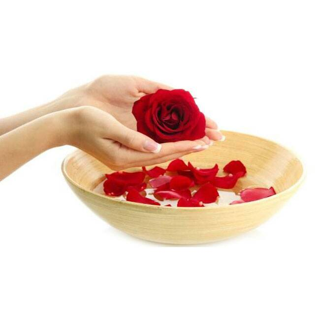 Amazing Benefits of Rose Water for Your Skin, Face and Eyes