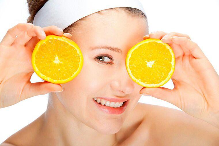 Beauty Benefits of Drinking Lemon Water for Skin